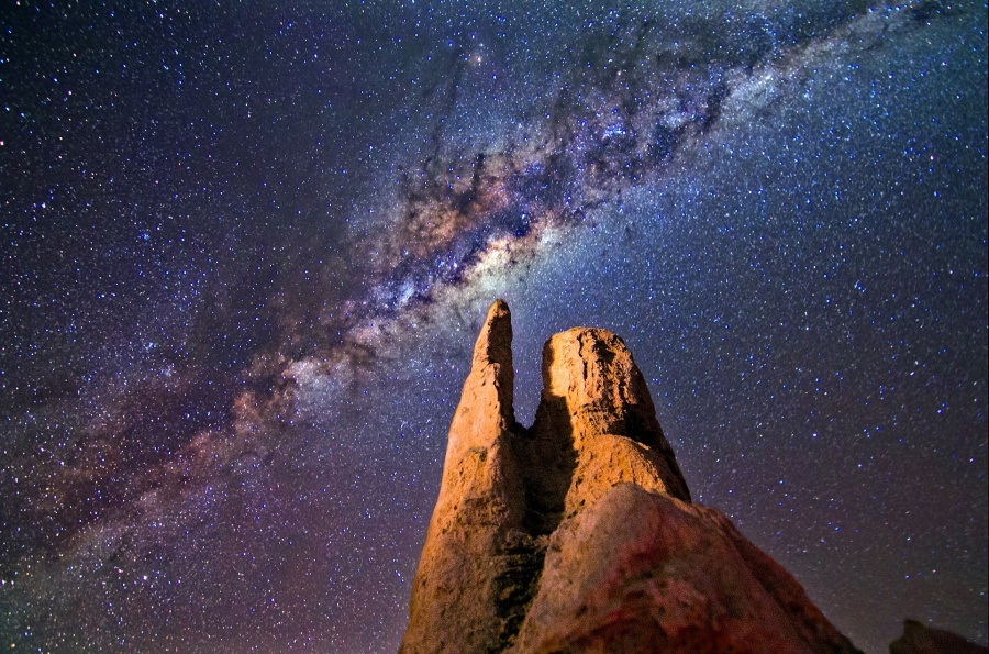 milky-way-rocks-night-landscape-167843